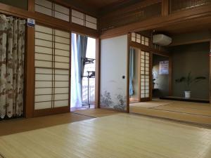 Guest house En, Проживание в семье  Фудзиёсида - big - 24