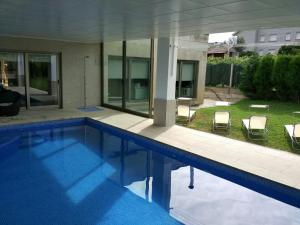 obrázek - Chalet de diseño con piscina interior