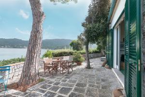 Villa Lo Scoglio