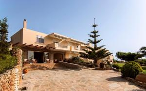 Troxalos studios near the beach - Caristo