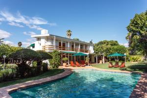 Le Roux's Guest House, Bed & Breakfasts  Oudtshoorn - big - 33