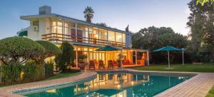 Le Roux's Guest House, Bed & Breakfasts - Oudtshoorn