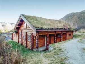 Four-Bedroom Holiday home with Sea View in Hovden - Hotel