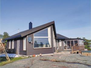 Three-Bedroom Holiday Home in Sogne, Nyaralók  Søgne - big - 1