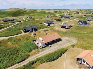 Four-Bedroom Holiday Home in Hvide Sande, Nyaralók  Hvide Sande - big - 1