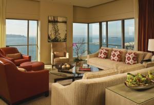 Four Seasons Hotel Seattle (4 of 35)