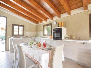 Villa Rosaria, Ferienhäuser  Campofelice di Roccella - big - 24