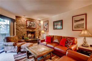 Luxury Vacation Rental next to shops and restaurants in Vail | Westwind 108 + Westwind 108 2BD 2BA condo - Hotel - Vail