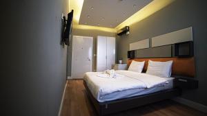 Corner Park Suite Hotel