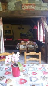 Chambres d'Hôtes Chalet de la Source - Accommodation - Morillon