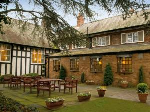 The Lymm Hotel - Glazebury