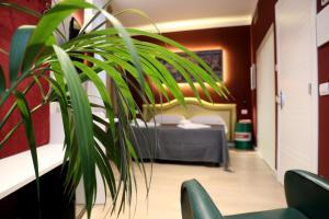 OFFICINA TESINI Guest Rooms Verona - AbcAlberghi.com