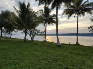 Casa de Playa Tayazal, cerca de Tikal - San Andrés