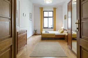 One Only City Center Apartment up to 9 guests