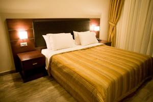 Twin Room with City View Onira Boutique Hotel
