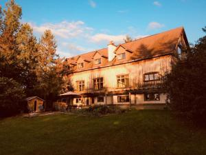 La Grange Country Inn - Accommodation - Wakefield
