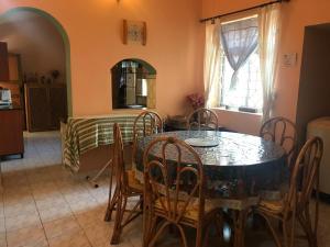 3 BHK Serviced Apartment in Salgao, Bed & Breakfast  Saligao - big - 42