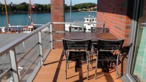 Apartmenthaus Hafenspitze Ap 19 Zwergtaucher Blickrichtung Binnenhafen West/Innenstadt #14829