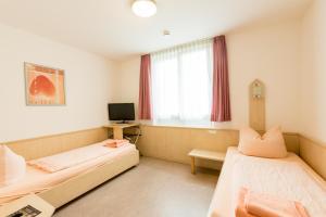 Hotel Restaurant Fallerhof, Hotely  Bad Krozingen - big - 27
