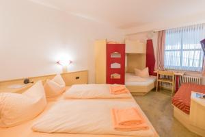 Hotel Restaurant Fallerhof, Hotely  Bad Krozingen - big - 12