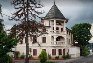 Hotel Casino Restaurant Paquito - Črniče