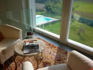 Hillside Villa with Swimming Pool and Jacuzzi - Frasassi Caves, Ville  Sassoferrato - big - 20