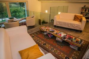 Hillside Villa with Swimming Pool and Jacuzzi - Frasassi Caves, Ville  Sassoferrato - big - 22