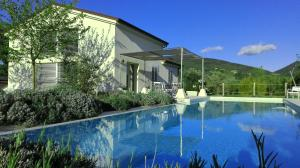 Hillside Villa with Swimming Pool and Jacuzzi - Frasassi Caves, Ville - Sassoferrato