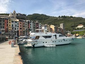 Alalunga Yacht in Portovenere - AbcAlberghi.com