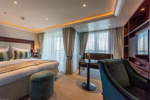 Select MS Charles Dickens Neuss - Hotel