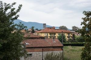 Green Apartment ***** 2 FREE Parking Spots - AbcAlberghi.com