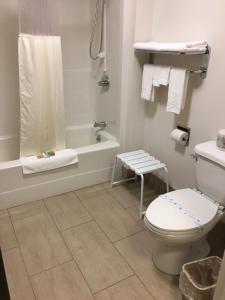 Bay Hill Inns & Suites, Fogadók  Neepawa - big - 16