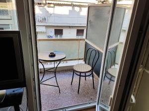 Sunny Quiet Apt, Apartmány  Solún - big - 15