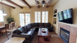 2 Bedroom Villa in La Quinta, CA (#LV214), Vily - La Quinta