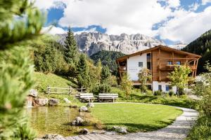 Boutique Hotel Nives - Luxury & Design in the Dolomites - Selva di Val Gardena