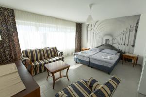 City Hotel.  Kuva 7