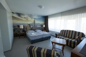 City Hotel.  Kuva 8