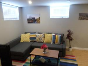 obrázek - Fantastic and New Downtown 1-Bed Basement Apt.