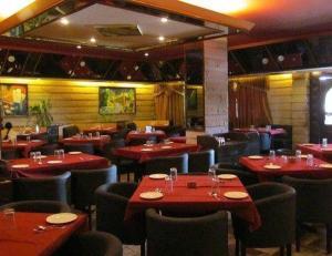 Padosan Restaurant & The Atith..