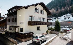 Pension Ebster by Skinetworks - Accommodation - St. Anton am Arlberg