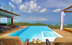 8 Bedroom Sea Blue View Villa - 5 Star with Staff