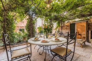 La Baruffa Luxury House - AbcAlberghi.com