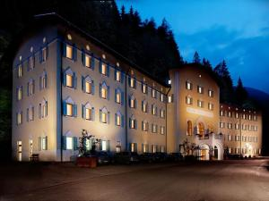 Grand Hotel Rabbi - AbcAlberghi.com