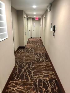 Days Inn by Wyndham Brooklyn Borough Park, Отели  Бруклин - big - 42