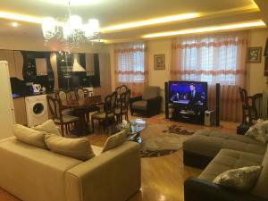 Апартаменты Сарьян 33