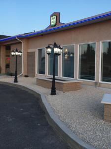 Bay Hill Inns & Suites, Fogadók  Neepawa - big - 12