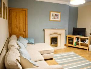 2 Bedroom Apartment With Parking in Edinburgh - Seafield
