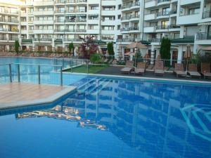 Emerald Beach Resort & SPA CTS, Appartamenti  Ravda - big - 104