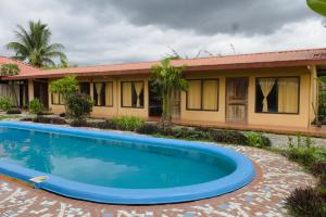 Cocodrilo Hotel, Bar y Restaurante - Mogos