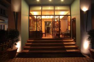Justa MG Road Hotel, Szállodák - Bengaluru